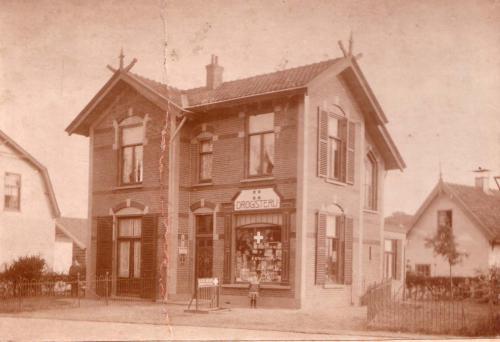 Nieuweweg Drogisterij Ufkes, 1909